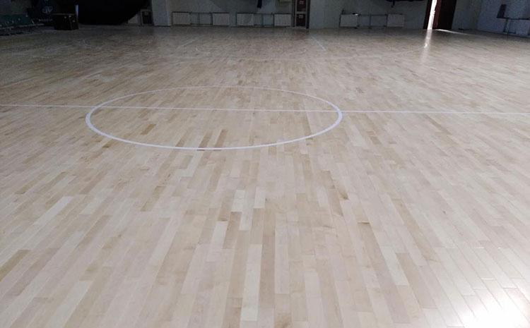 枫桦木体育场木地板怎么维修