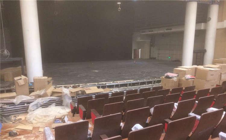 上海硬木企口体育场地板是多少钱