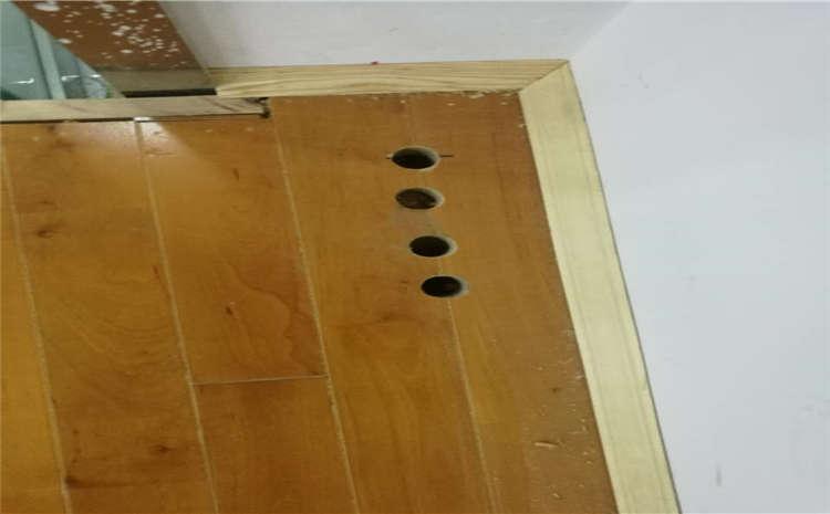 常用的风雨操场木地板