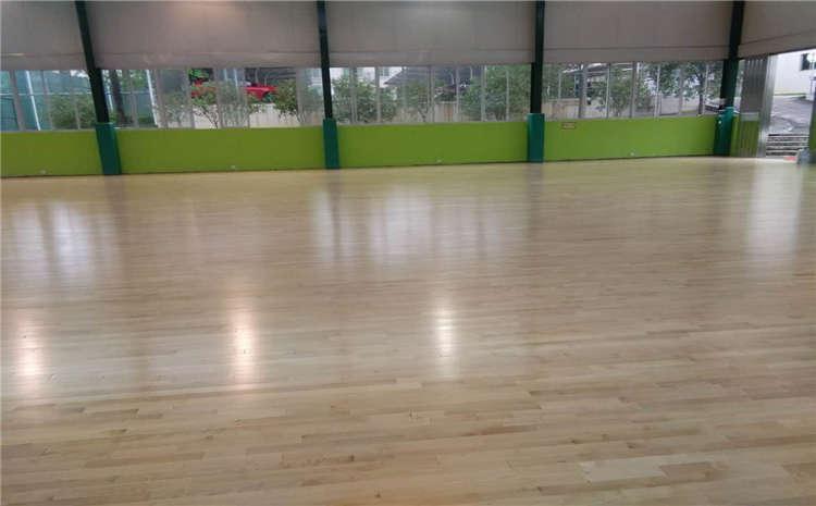 山东专业体育木地板打磨翻新