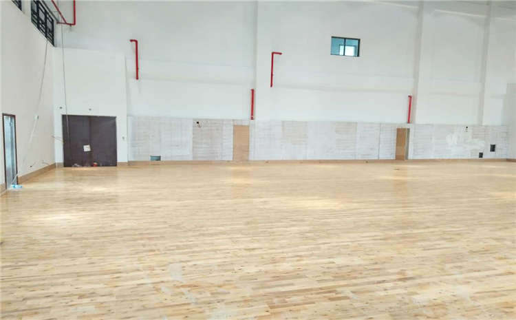 常用的篮球馆地板厂商