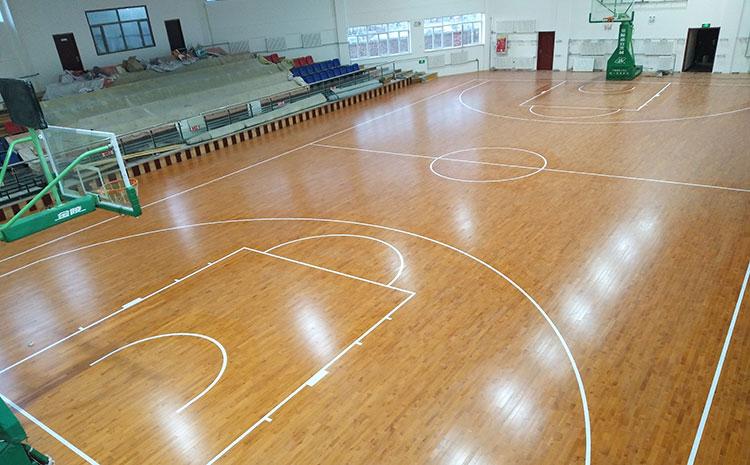 常用的风雨操场实木运动地板图片