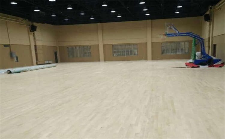 广东企口体育木地板厂家